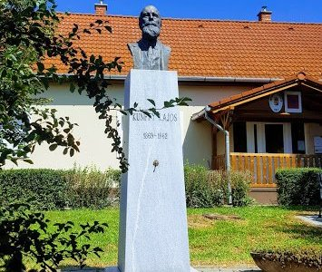 Kunffy Lajos emlékoszlopa